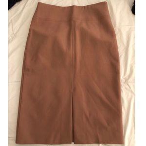 NVR WRN Ann Taylor pencil skirt w/ front slit - 6
